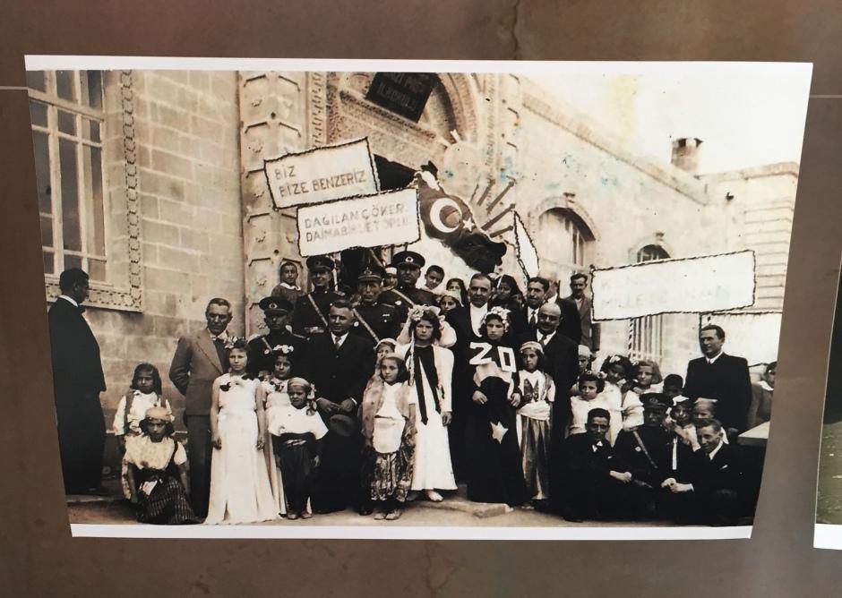 Sait Tunç, photo-archive, detail.